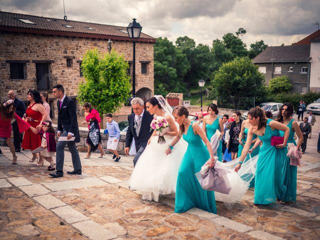 La boda de Javi y Virginia en El Berrueco, Madrid 41