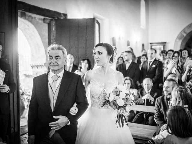 La boda de Javi y Virginia en El Berrueco, Madrid 42
