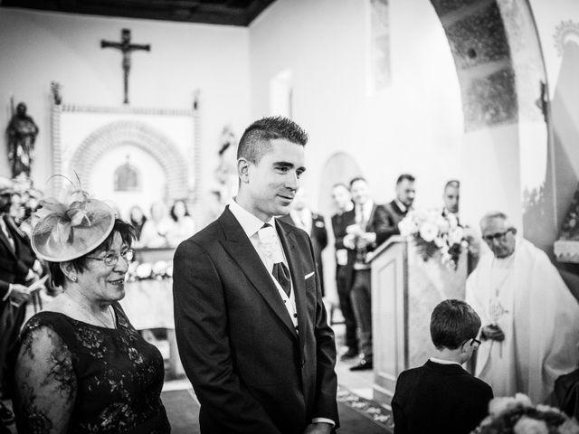 La boda de Javi y Virginia en El Berrueco, Madrid 43