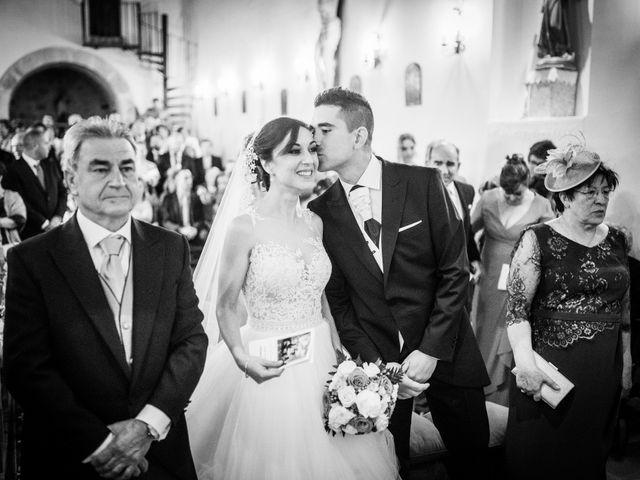 La boda de Javi y Virginia en El Berrueco, Madrid 44