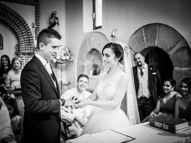 La boda de Javi y Virginia en El Berrueco, Madrid 52