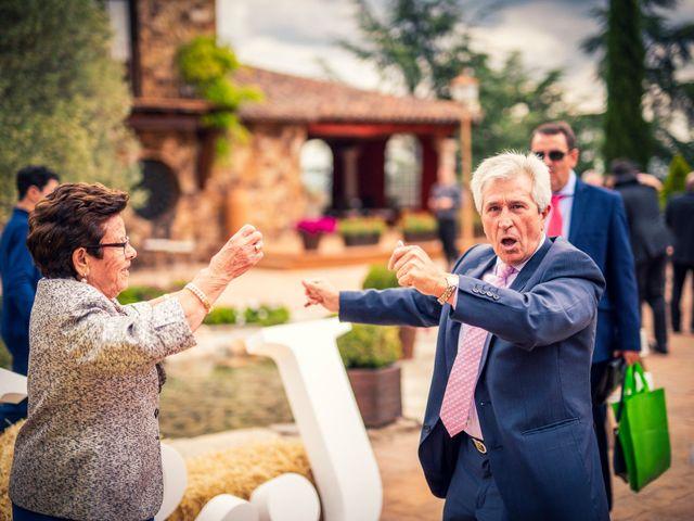 La boda de Javi y Virginia en El Berrueco, Madrid 92