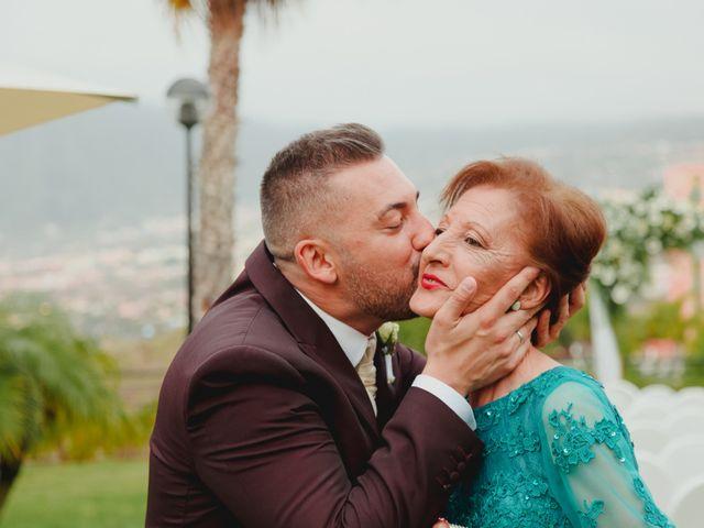 La boda de Ricardo y Zeben en Puerto De La Cruz, Santa Cruz de Tenerife 32