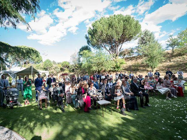 La boda de Saúl y Sandra en Valdemorillo, Madrid 38