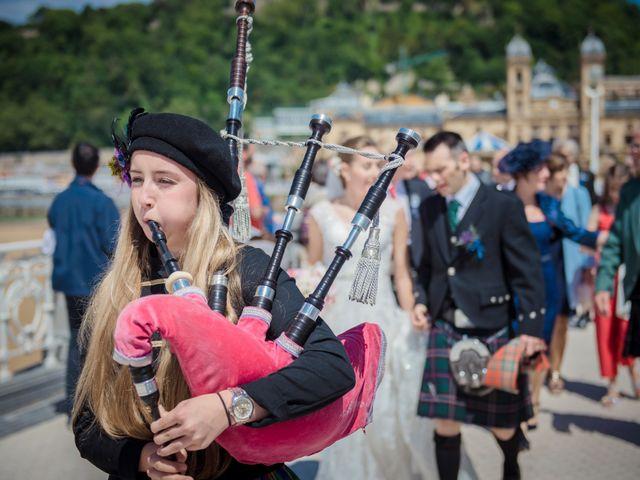 La boda de Xabi y Jane en Donostia-San Sebastián, Guipúzcoa 19