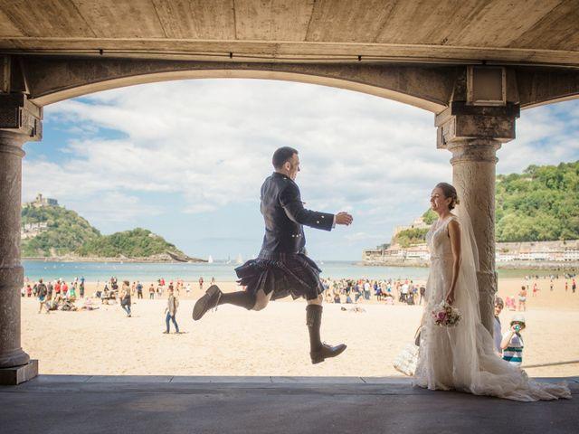La boda de Xabi y Jane en Donostia-San Sebastián, Guipúzcoa 22