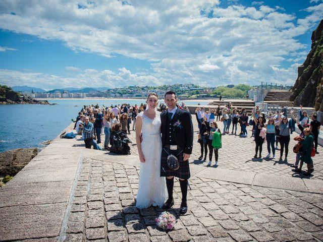 La boda de Xabi y Jane en Donostia-San Sebastián, Guipúzcoa 27