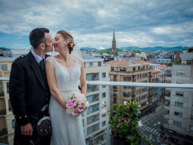 La boda de Xabi y Jane en Donostia-San Sebastián, Guipúzcoa 29