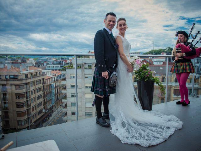 La boda de Xabi y Jane en Donostia-San Sebastián, Guipúzcoa 30