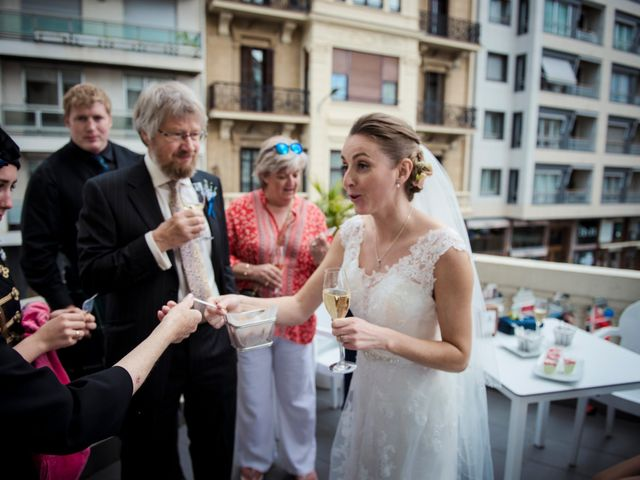 La boda de Xabi y Jane en Donostia-San Sebastián, Guipúzcoa 34