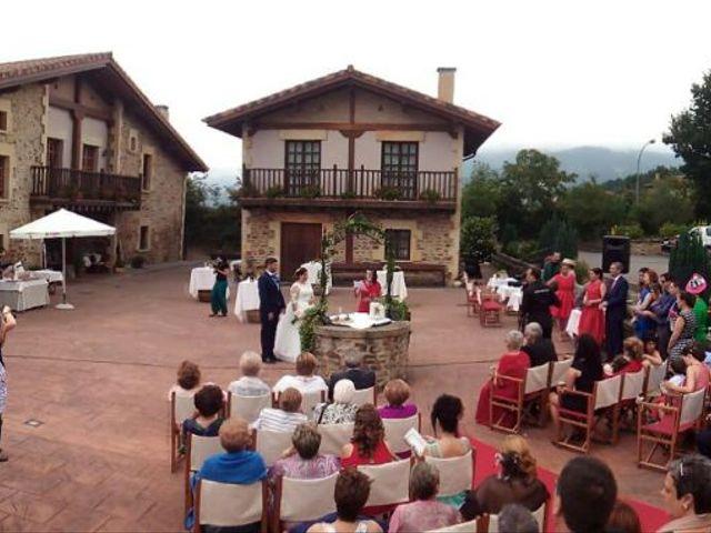 La boda de Jon y Saioa en Amurrio, Álava 10