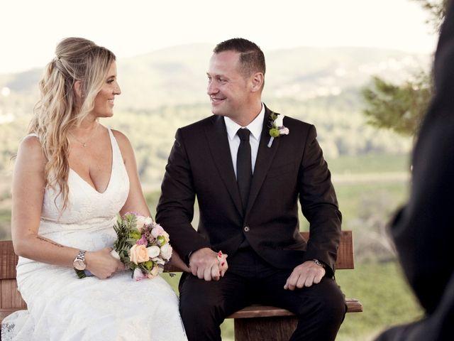 La boda de David y Mireia en La Bisbal Del Penedes, Tarragona 37