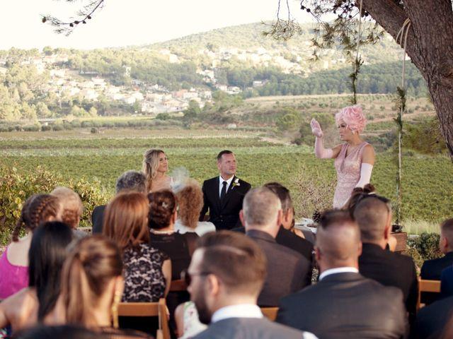 La boda de David y Mireia en La Bisbal Del Penedes, Tarragona 40