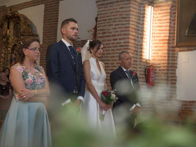 La boda de Eduardo y Mónica en León, León 8