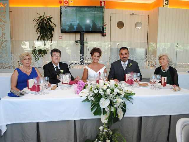 La boda de Alberto y Adriana  en Zaragoza, Zaragoza 17