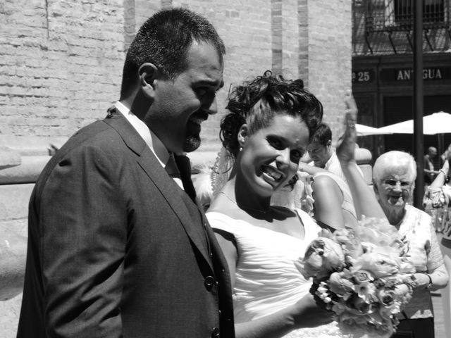 La boda de Alberto y Adriana  en Zaragoza, Zaragoza 27