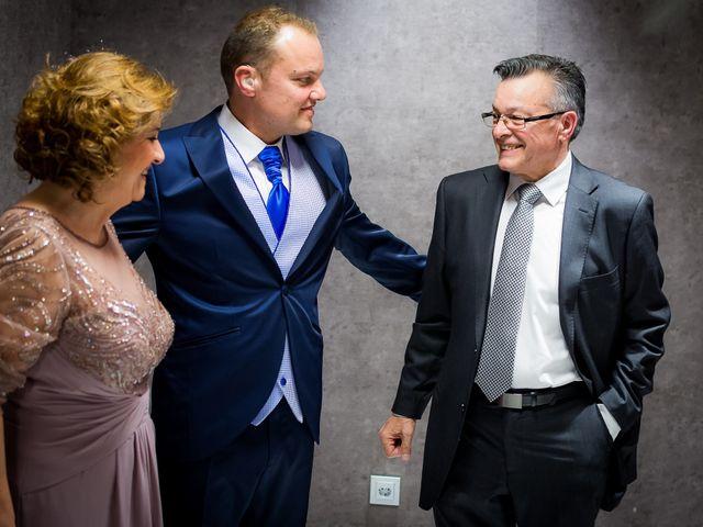 La boda de Raul y Myriam en Sevilla, Sevilla 23