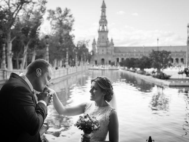 La boda de Raul y Myriam en Sevilla, Sevilla 1