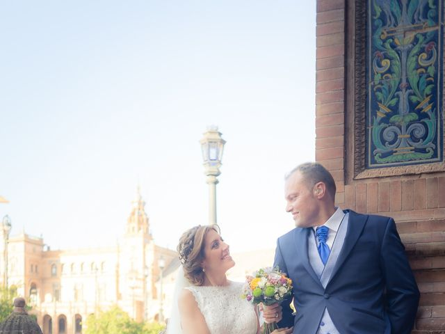 La boda de Raul y Myriam en Sevilla, Sevilla 45