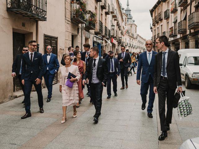 La boda de Paco y Laura en Burgo De Osma, Soria 45