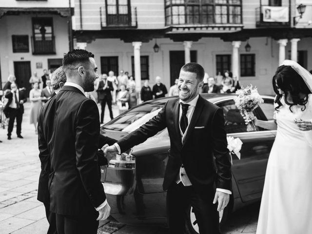 La boda de Paco y Laura en Burgo De Osma, Soria 49