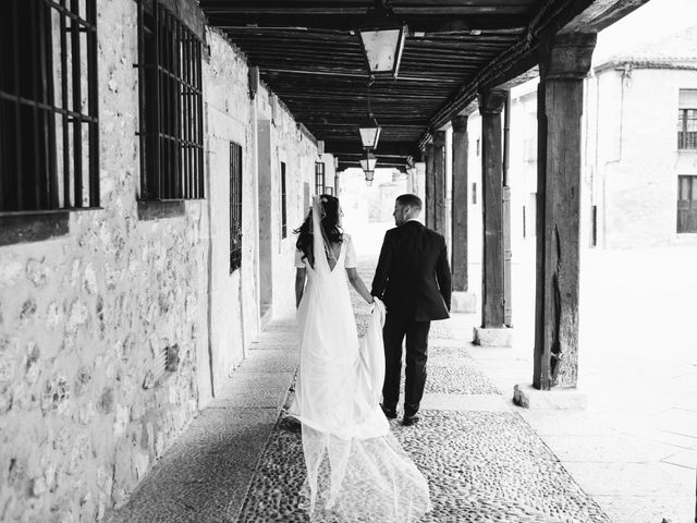 La boda de Paco y Laura en Burgo De Osma, Soria 102
