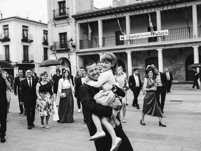La boda de Paco y Laura en Burgo De Osma, Soria 131