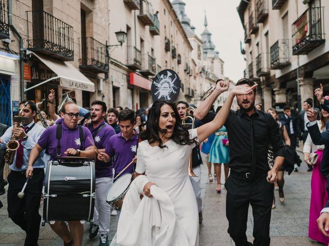 La boda de Paco y Laura en Burgo De Osma, Soria 132