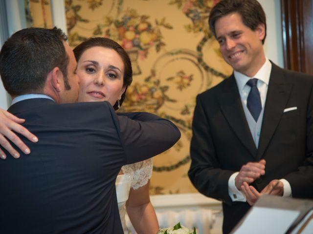 La boda de Manu y Teba en Las Arenas, Vizcaya 31