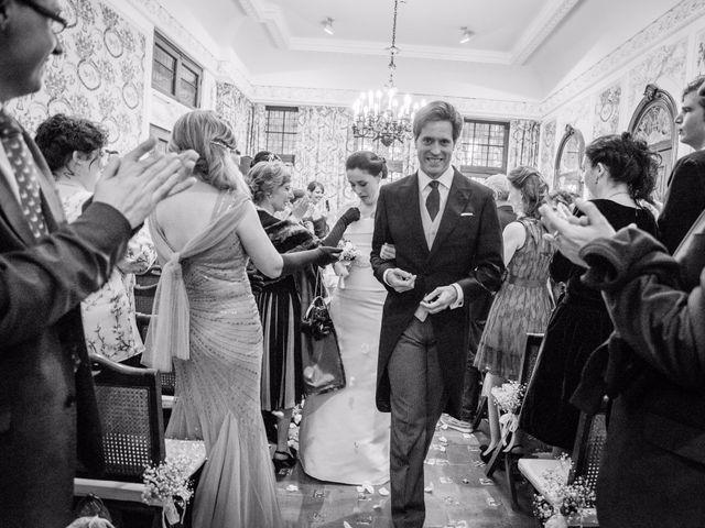 La boda de Manu y Teba en Las Arenas, Vizcaya 37