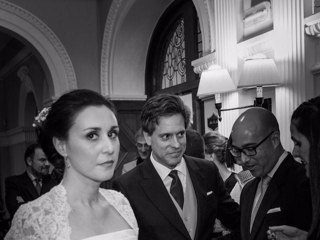 La boda de Manu y Teba en Las Arenas, Vizcaya 38