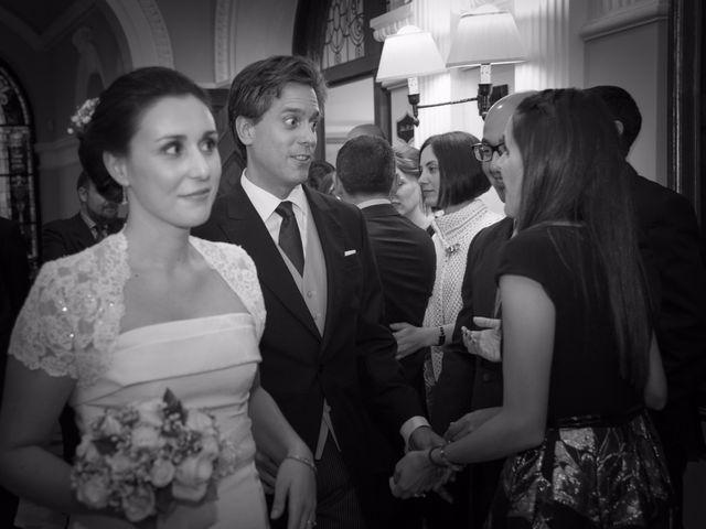 La boda de Manu y Teba en Las Arenas, Vizcaya 39