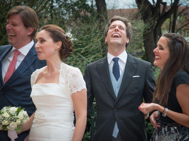 La boda de Manu y Teba en Las Arenas, Vizcaya 45