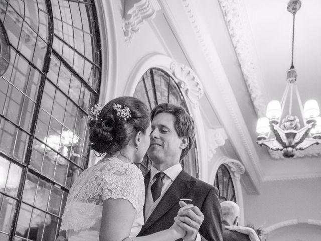 La boda de Manu y Teba en Las Arenas, Vizcaya 65