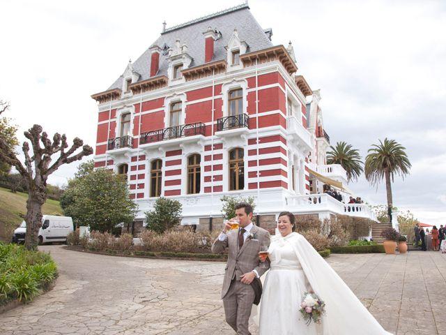 La boda de Jechu y Aida en Gijón, Asturias 32