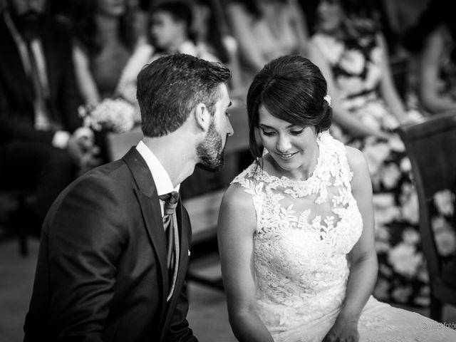 La boda de Jonathan y Belén en Almendralejo, Badajoz 31