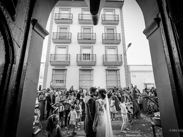 La boda de Jonathan y Belén en Almendralejo, Badajoz 35