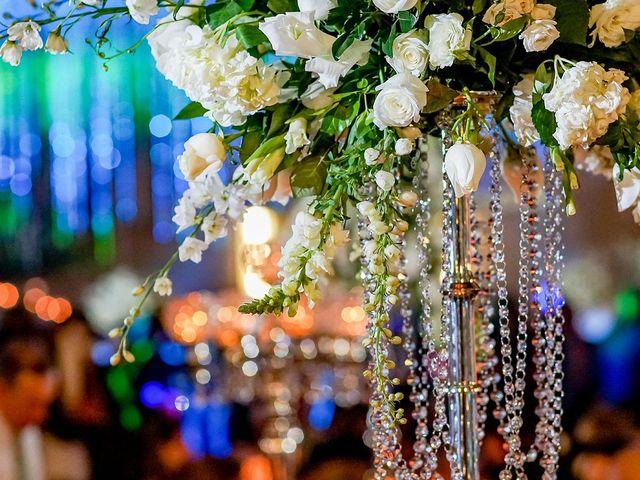 La boda de Alex y Armanda en Torremocha Del Jarama, Madrid 46