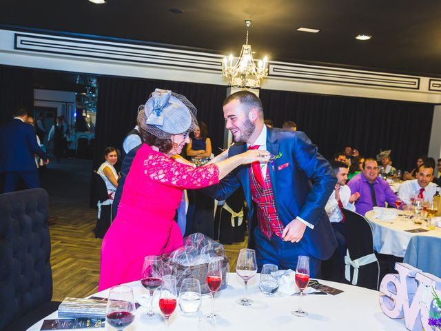 La boda de Víctor y Estela en Simancas, Valladolid 105