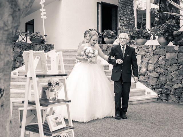 La boda de Bryan y Vienna en La Victoria De Acentejo, Santa Cruz de Tenerife 60