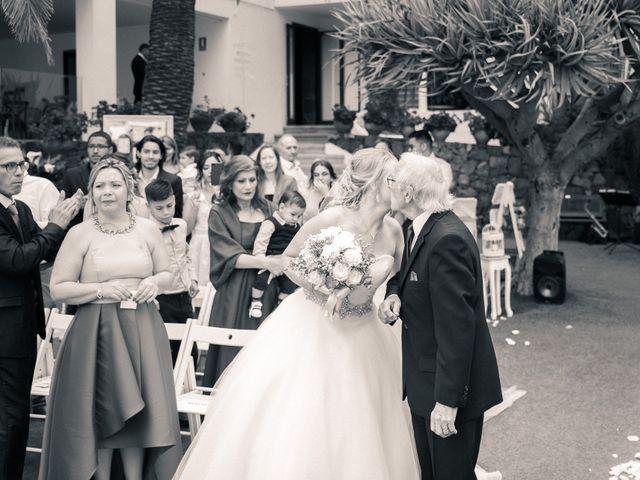 La boda de Bryan y Vienna en La Victoria De Acentejo, Santa Cruz de Tenerife 62