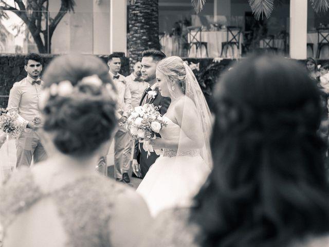 La boda de Bryan y Vienna en La Victoria De Acentejo, Santa Cruz de Tenerife 64