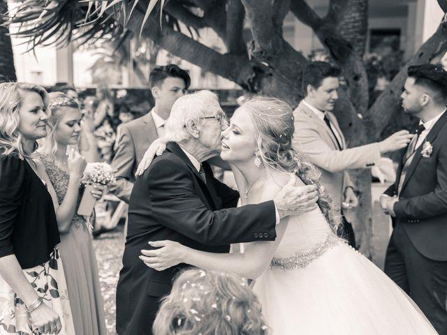 La boda de Bryan y Vienna en La Victoria De Acentejo, Santa Cruz de Tenerife 98