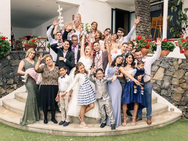 La boda de Bryan y Vienna en La Victoria De Acentejo, Santa Cruz de Tenerife 111