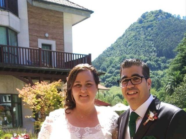La boda de Iván  y Desirée en Puente Viesgo, Cantabria 3