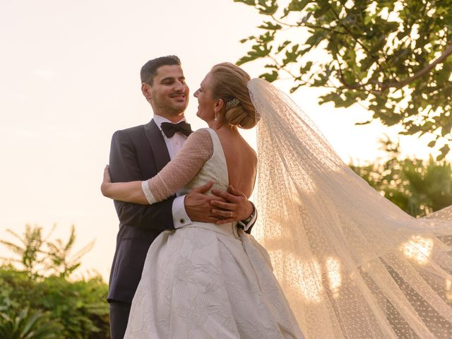 La boda de Angel y Amparo en Picanya, Valencia 56