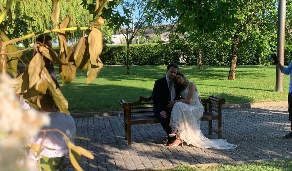 La boda de Javier  y Sarai en Pueblo Artica, Navarra