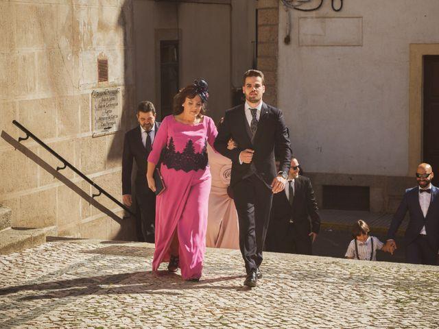 La boda de Ismael y Fátima en Valencia De Alcantara Ff.Cc., Cáceres 32