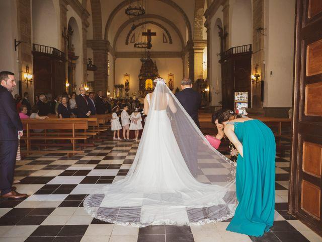 La boda de Ismael y Fátima en Valencia De Alcantara Ff.Cc., Cáceres 33