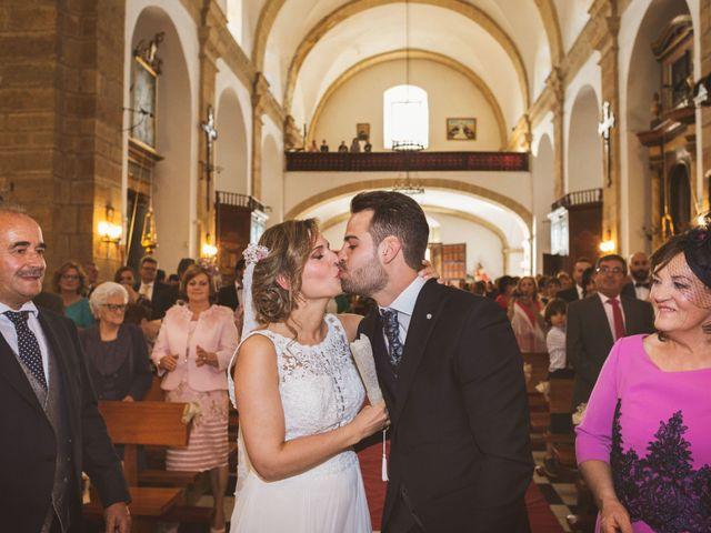 La boda de Ismael y Fátima en Valencia De Alcantara Ff.Cc., Cáceres 40